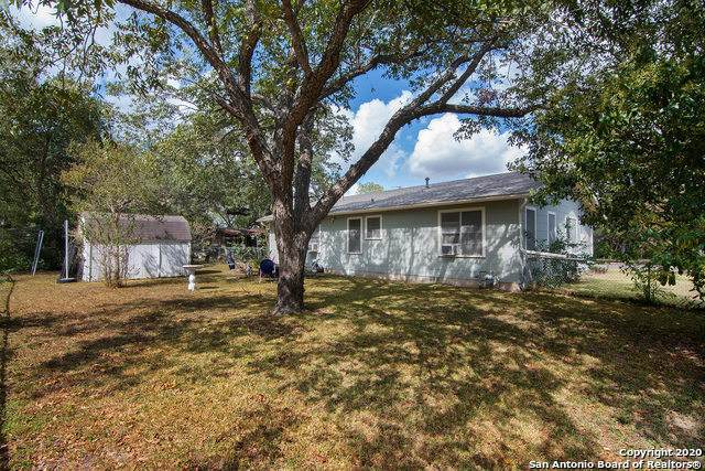 715 Jefferson Ave, Seguin, TX 78155 (MLS #1490332) :: The Lopez Group