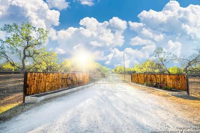 317 County Road 4314, Hondo, TX 78861 (MLS #1490446) :: Exquisite Properties, LLC