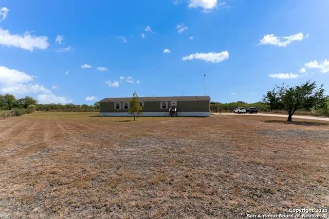 379 County Road 4647, Hondo, TX 78861 (MLS #1490479) :: Exquisite Properties, LLC