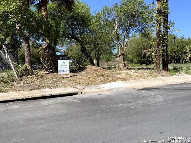 831 S San Eduardo Ave, San Antonio, TX 78237 (MLS #1490509) :: Neal & Neal Team