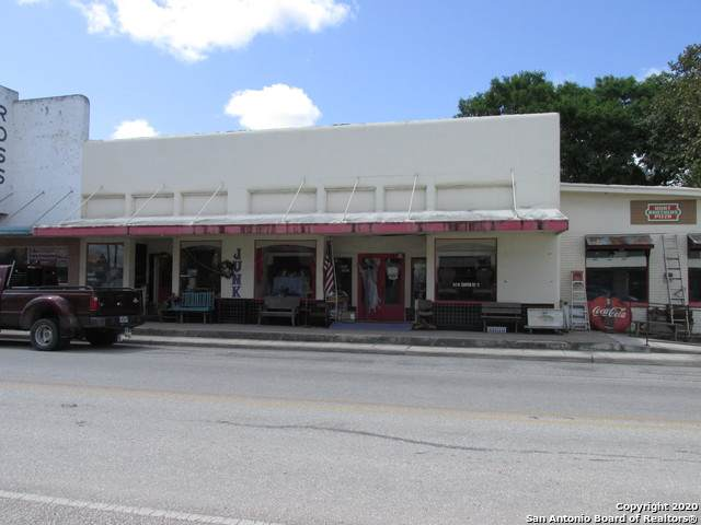 317 Center St - Photo 1