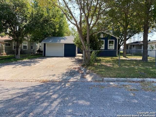 1270 W Coll St, New Braunfels, TX 78130 (MLS #1490656) :: Carolina Garcia Real Estate Group