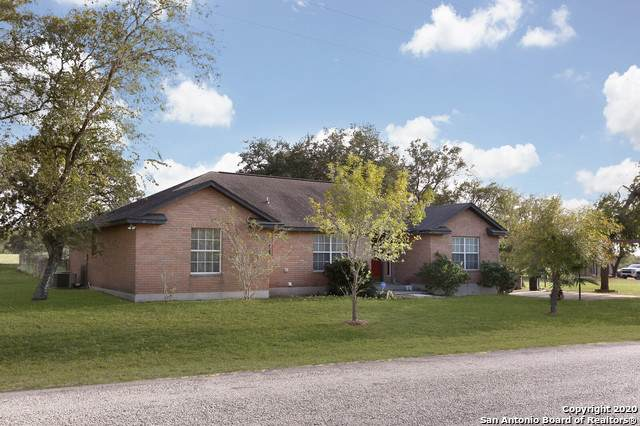 236 Cimarron Dr, Floresville, TX 78114 (MLS #1491177) :: The Lugo Group