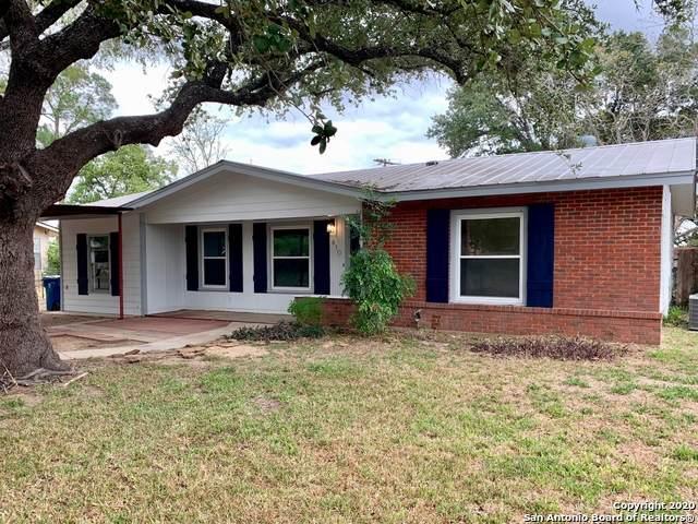 410 Mark St, Pleasanton, TX 78064 (MLS #1491469) :: Real Estate by Design