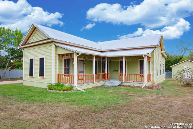 6011 Sutherland Springs Rd, Seguin, TX 78155 (MLS #1491534) :: Real Estate by Design