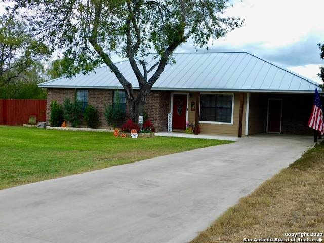 508 Mesquite Ave, Devine, TX 78016 (MLS #1491796) :: Carter Fine Homes - Keller Williams Heritage