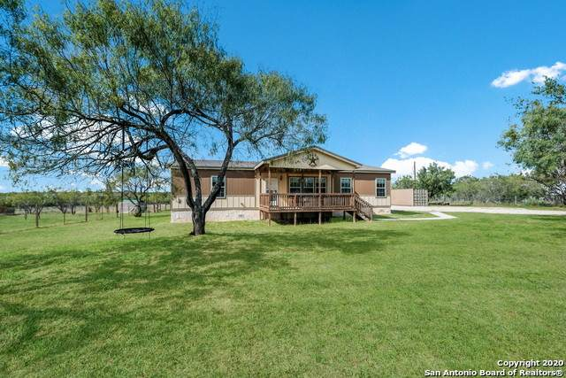 827 County Road 329, Floresville, TX 78114 (MLS #1491851) :: 2Halls Property Team | Berkshire Hathaway HomeServices PenFed Realty