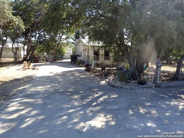 401 Pr 1520, Bandera, TX 78003 (MLS #1492452) :: Real Estate by Design