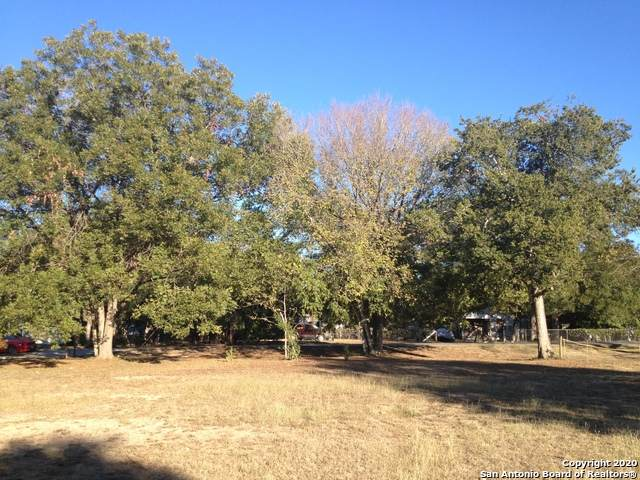 4040 Sutherland Springs Rd, Seguin, TX 78155 (MLS #1492603) :: The Castillo Group