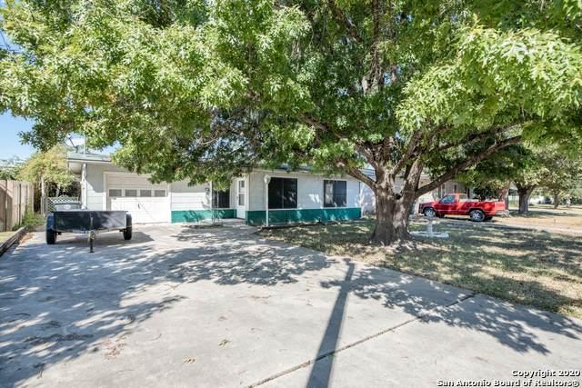 734 W Merriweather St, New Braunfels, TX 78130 (MLS #1492622) :: The Gradiz Group