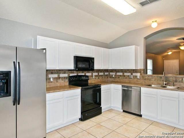 913 Darion St, New Braunfels, TX 78130 (MLS #1492733) :: Carolina Garcia Real Estate Group