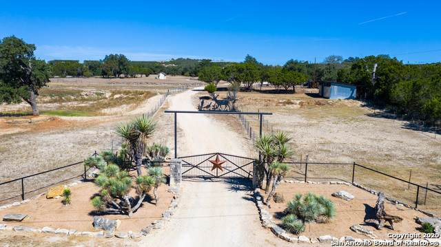 935 Kings Ranch Rd, Bandera, TX 78003 (MLS #1492762) :: Maverick