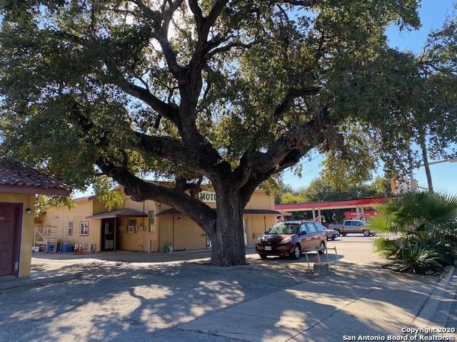 113 S Main St, Pleasanton, TX 78064 (MLS #1493001) :: Vivid Realty