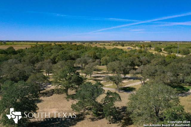 1185 County Road 307, Floresville, TX 78114 (MLS #1493465) :: Santos and Sandberg