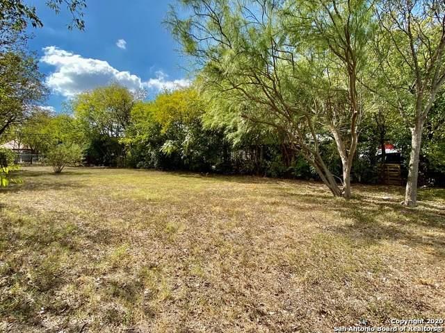 1020 Morales St, San Antonio, TX 78207 (MLS #1493981) :: Alexis Weigand Real Estate Group