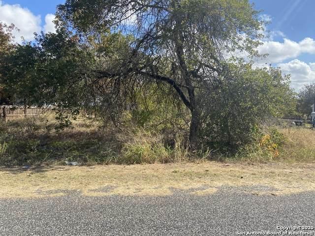 22702 Lazy Stream Dr, Elmendorf, TX 78112 (MLS #1494111) :: The Glover Homes & Land Group