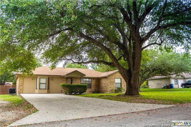 1248 Lost Elms, New Braunfels, TX 78130 (MLS #1494133) :: Real Estate by Design