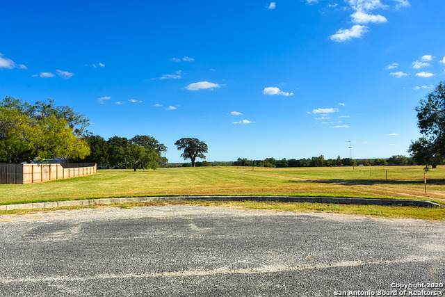 LOT 4 E St, Floresville, TX 78114 (MLS #1494417) :: The Lugo Group