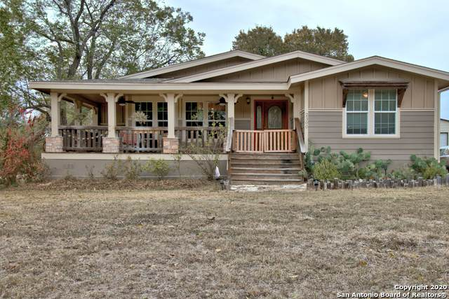 2300 E Walnut St, Seguin, TX 78155 (MLS #1494695) :: EXP Realty