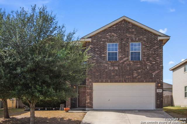 2939 Sunday Song, San Antonio, TX 78245 (#1494757) :: The Perry Henderson Group at Berkshire Hathaway Texas Realty