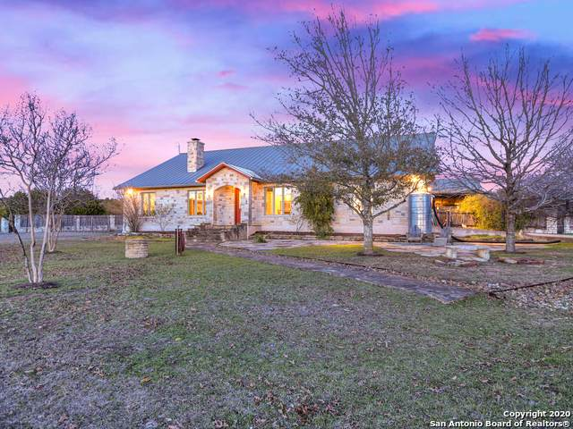 650 Old Red Ranch Rd, Dripping Springs, TX 78620 (MLS #1494762) :: Neal & Neal Team