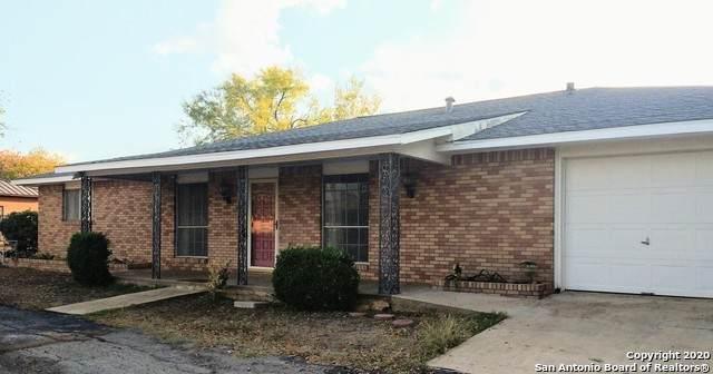 409 Harriman St, Dilley, TX 78017 (MLS #1494798) :: Carolina Garcia Real Estate Group
