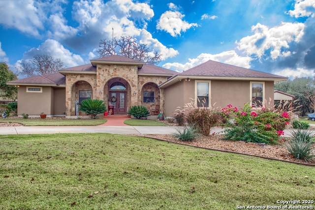 128 Circle Six Dr, La Vernia, TX 78121 (MLS #1494949) :: Maverick