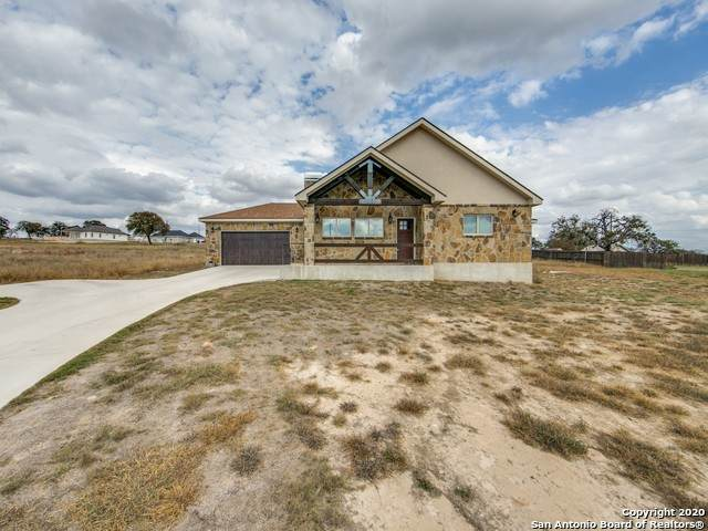 406 Shady Ln, La Vernia, TX 78121 (MLS #1495221) :: Carolina Garcia Real Estate Group