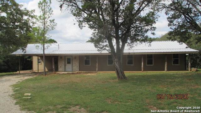 586 Redbud Ln, Pipe Creek, TX 78063 (MLS #1495241) :: The Gradiz Group