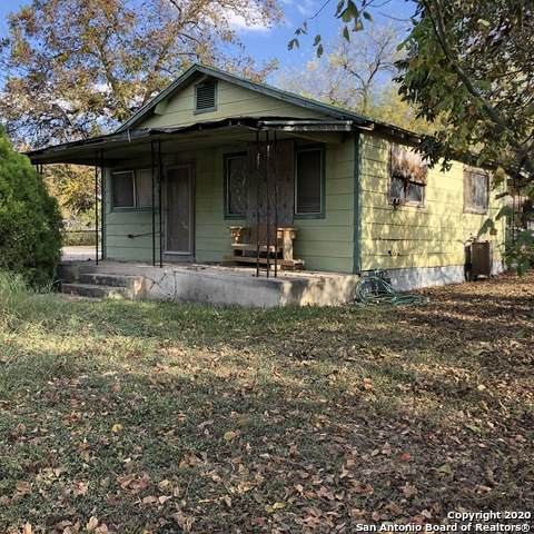2205 W San Antonio St, New Braunfels, TX 78130 (MLS #1495274) :: The Gradiz Group