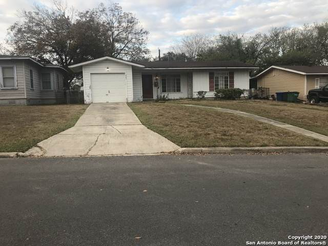 447 Prestwick Blvd, San Antonio, TX 78223 (MLS #1495392) :: The Glover Homes & Land Group