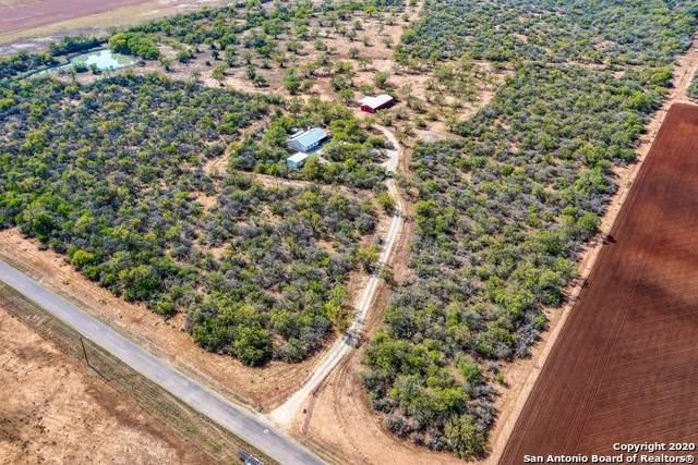 4152 County Road 467, Devine, TX 78016 (MLS #1495394) :: Carter Fine Homes - Keller Williams Heritage