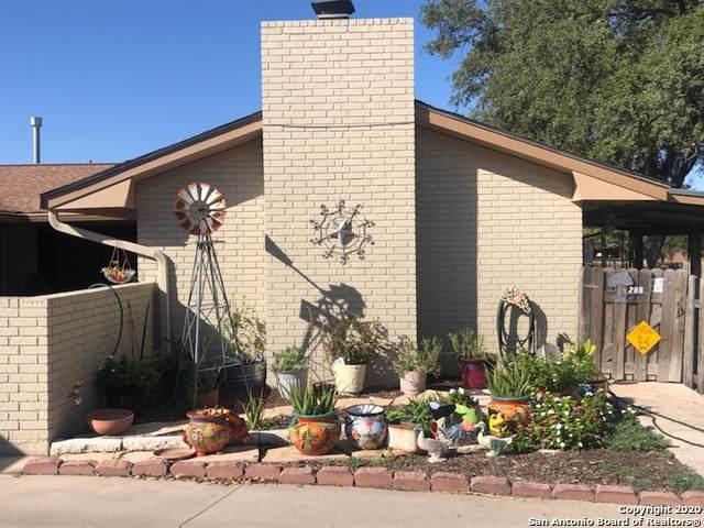 288 Avenue M, Hondo, TX 78861 (MLS #1495898) :: 2Halls Property Team | Berkshire Hathaway HomeServices PenFed Realty