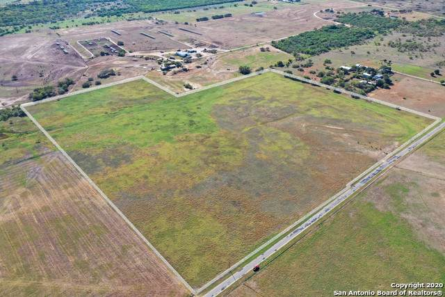 000 Cr 117, Floresville, TX 78114 (MLS #1495954) :: Santos and Sandberg