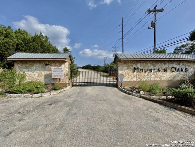621 Mountain Oaks Dr, Canyon Lake, TX 78133 (MLS #1496298) :: Maverick