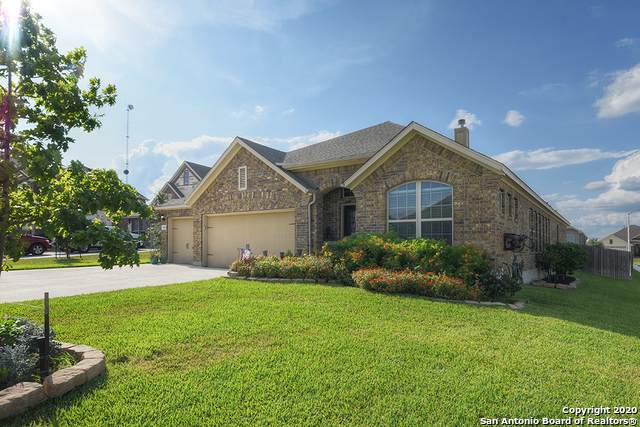 3188 Falconhead, New Braunfels, TX 78130 (#1496427) :: The Perry Henderson Group at Berkshire Hathaway Texas Realty