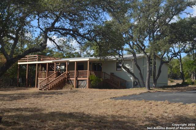 135 Oak Forest Ln, Lakehills, TX 78063 (MLS #1496486) :: Carolina Garcia Real Estate Group