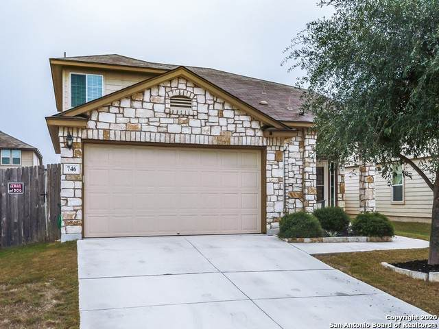 746 Great Oaks Dr, New Braunfels, TX 78130 (MLS #1496499) :: Alexis Weigand Real Estate Group