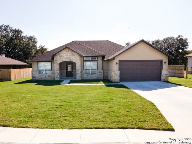 1705 Crooked Creek, Pleasanton, TX 78064 (MLS #1497003) :: 2Halls Property Team | Berkshire Hathaway HomeServices PenFed Realty