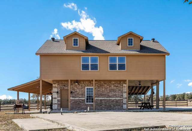 326 Sandy Oaks Dr, Seguin, TX 78155 (MLS #1497064) :: The Glover Homes & Land Group
