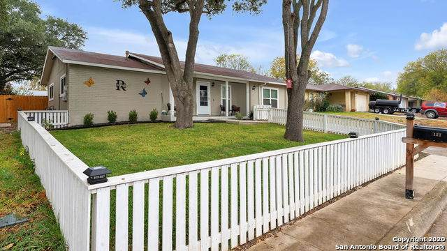 121 N Meadow St, Converse, TX 78109 (MLS #1497090) :: Carter Fine Homes - Keller Williams Heritage