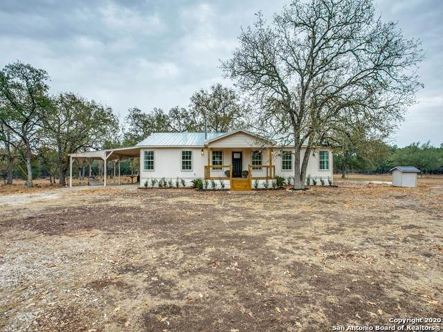 592 Oakridge Trail, Pipe Creek, TX 78063 (MLS #1497236) :: The Real Estate Jesus Team