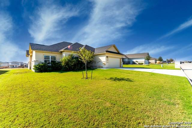 165 Fairway Dr, Floresville, TX 78114 (MLS #1497312) :: Real Estate by Design