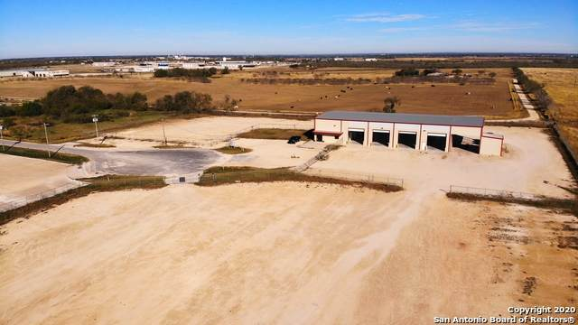 239 Oil Rd, Pleasanton, TX 78064 (MLS #1497474) :: The Lopez Group