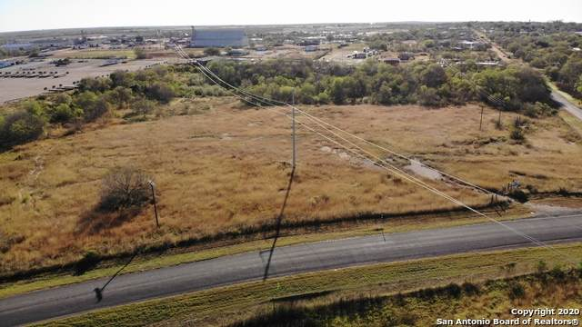 000 Ernst Rd, Jourdanton, TX 78064 (MLS #1497500) :: Vivid Realty