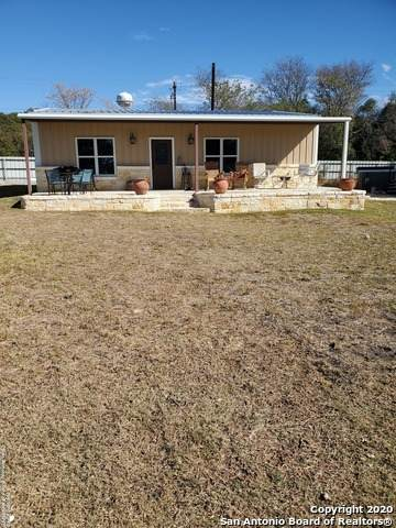 555 Old Medina Hwy, Bandera, TX 78003 (MLS #1497517) :: Real Estate by Design