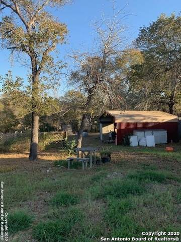 119 Little Creek Dr, Floresville, TX 78114 (MLS #1497537) :: Concierge Realty of SA