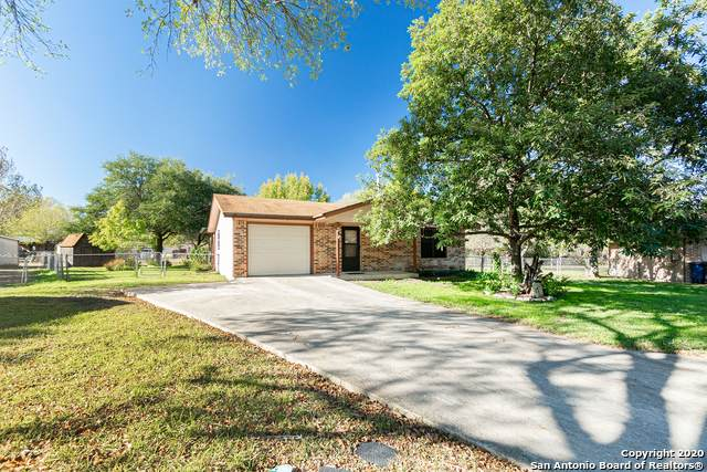 17 Roselawn Cir, New Braunfels, TX 78130 (MLS #1497576) :: The Heyl Group at Keller Williams
