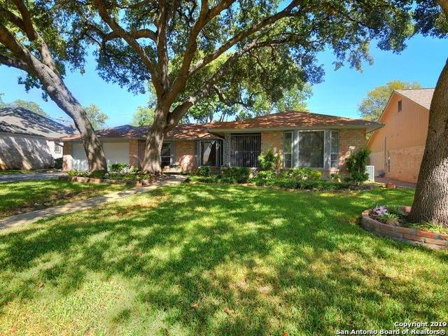 13211 Hill Forest St, San Antonio, TX 78230 (MLS #1497868) :: Berkshire Hathaway HomeServices Don Johnson, REALTORS®