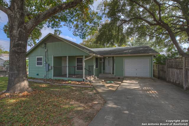 2069 Chinaberry Ln, New Braunfels, TX 78130 (MLS #1498016) :: The Castillo Group